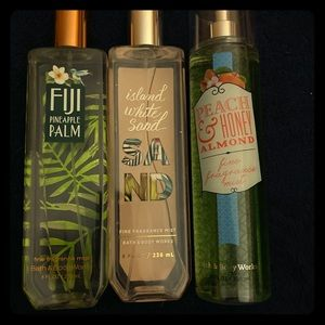 3 un used body sprays from bath and body works